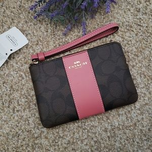 Coach wristlet F58035 New with Tag